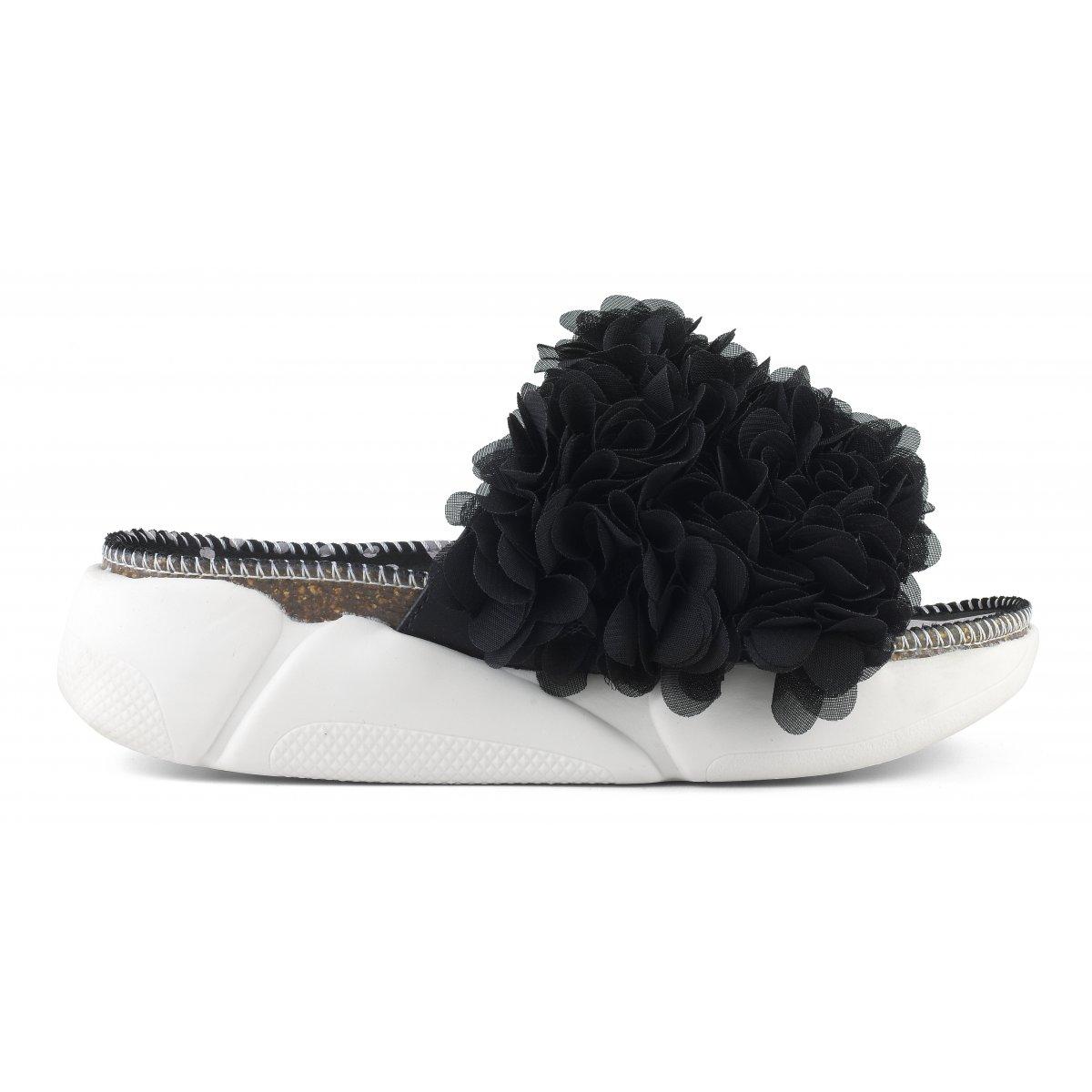 Sandali con accessorio floreale con suola sneaker