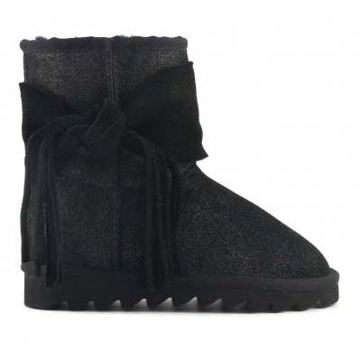 Ugg Boot with lateral bow