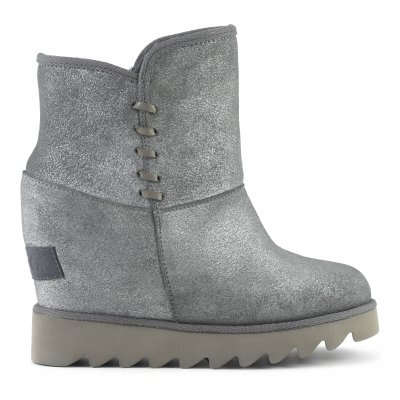 Ugg in pelle con zeppa interna