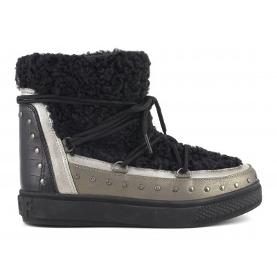 Snow boots with faux fur with laces