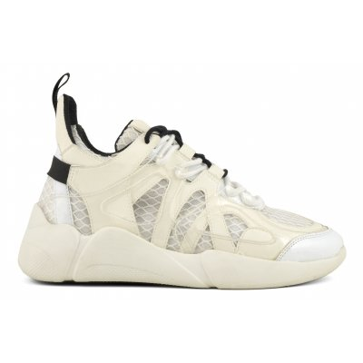 Sneaker with multi upper layer